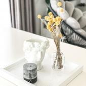 """🌾 Kad  dekoro detalės """"nepabirtų"""" po visus namus, sutelkite jas į vieną visumą - tam puikiai pasitarnaus marmūro akmens padėklas. Kurkite kompozicijas iš skirtingų tekstūrų ir stilių - taip suteiksite namams unikalumo ir jaukumo 🌾  Visas dekoracijas rasite www.floaty.lt"""